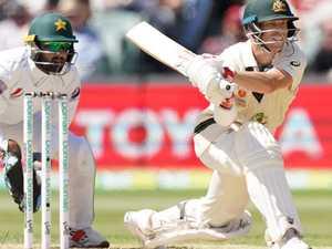 Warner posts 300 against Pakistan, breaks Bradman record