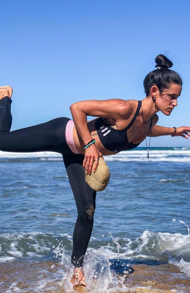 Surf trainer Elise Carver. Picture: @littlebantamsurftrainer/Instagram