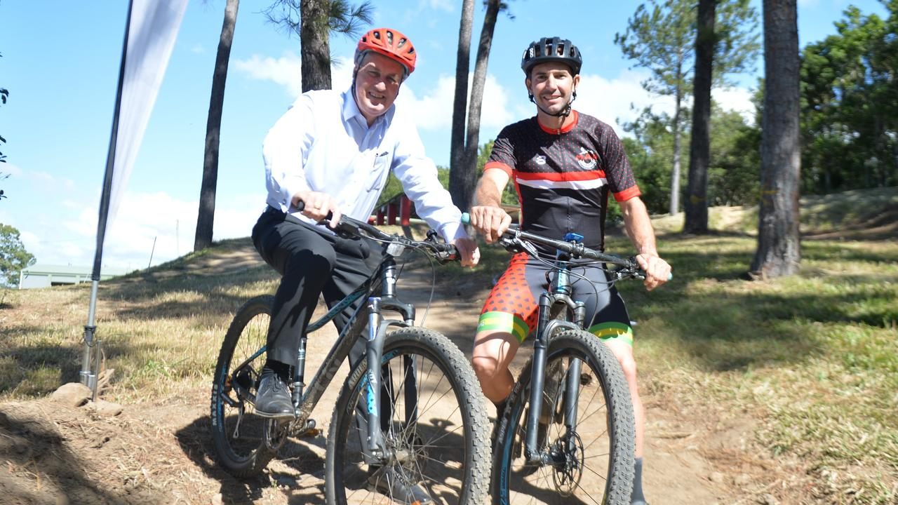 Mayor Greg Williamson and Mad Mountain Bike Club president Peter Lister at Rowallan Park.