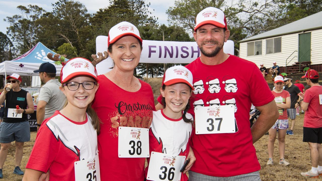( From left ) Kate, Jane, Meg and Kris Roper. Toowoomba Hospital Foundation 2019 Reindeer Run at Baillie Henderson Hospital. Picture: Nev Madsen. Sunday 1st Dec, 2019