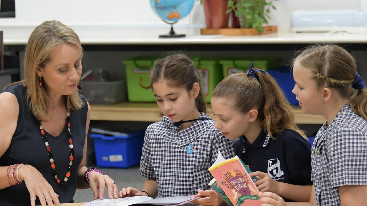 Award-winning Australian author Aleesah Darlison with Yasmin Burton, Caitlin Loader and Evie Sharp. Toowoomba East State School.