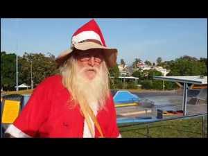 Barefoot Santa is back