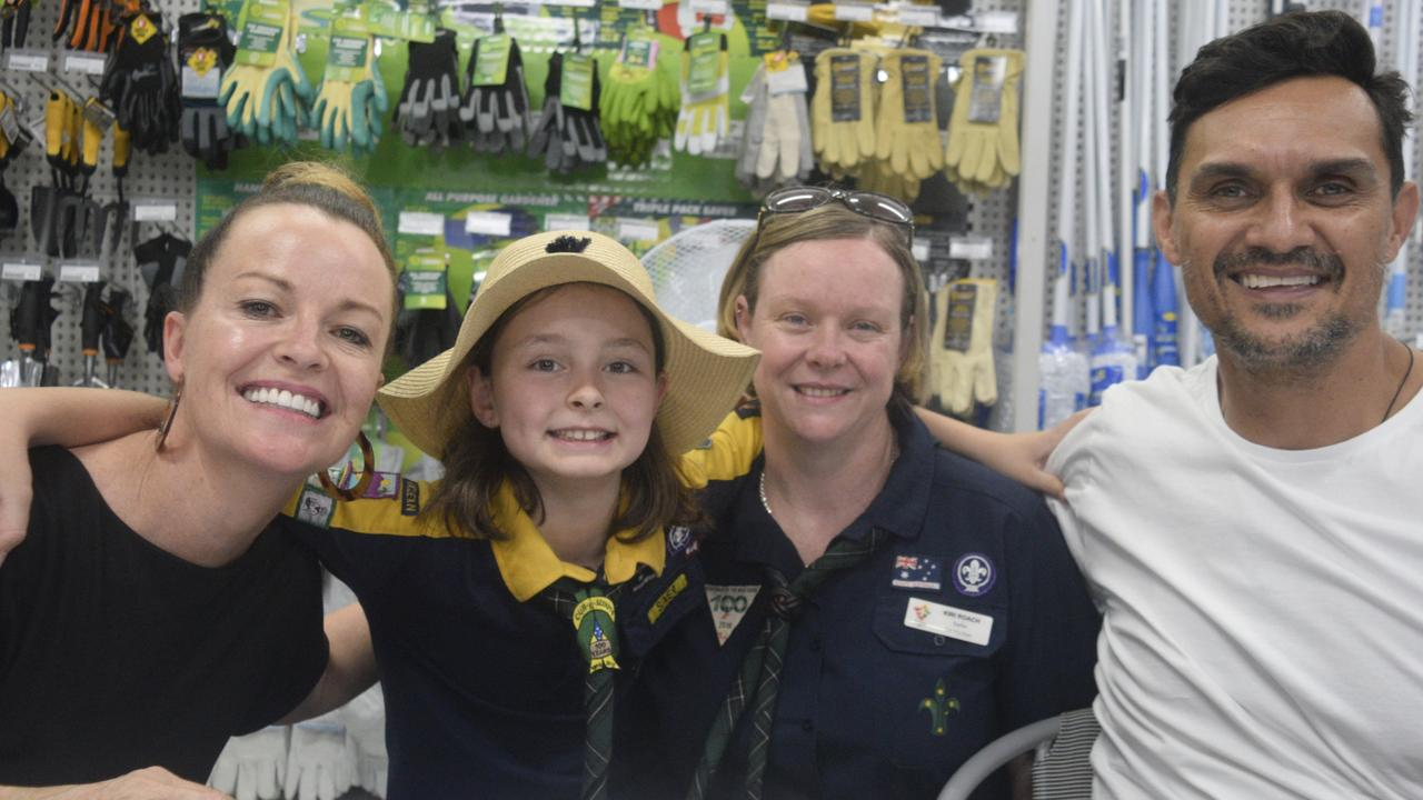 Big fans Ella Roach (10 and Kiri Roach enjoyed the opportunity to meet The Block contestants Deb and Andy during the Mitre 10 Maclean grand opening on Saturday, 30th November, 2019.