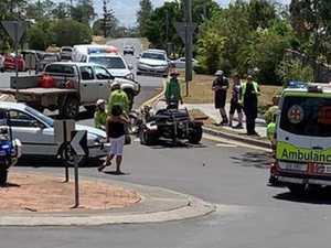 Crews rush to strange crash at roundabout