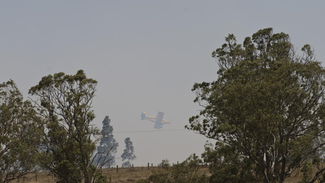 Bushfire on Old Goombungee Rd on Monday. Picture: Kevin Farmer
