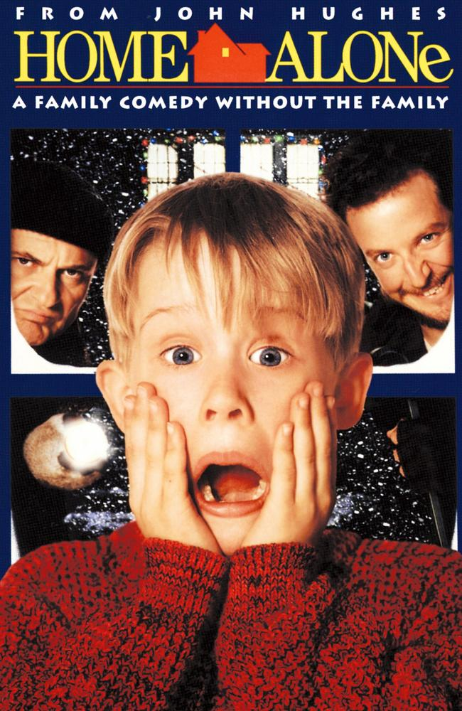 Joe Pesci, Macaulay Culkin and Daniel Stern in Home Alone.