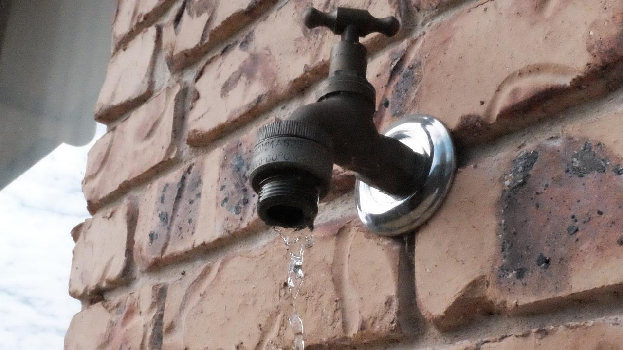 Dripping tap. Water restrictions. Saving water (PHOTO: Jessica McGrath)