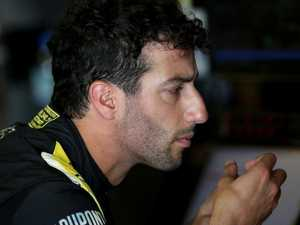 'Clown' Ricciardo let Renault down