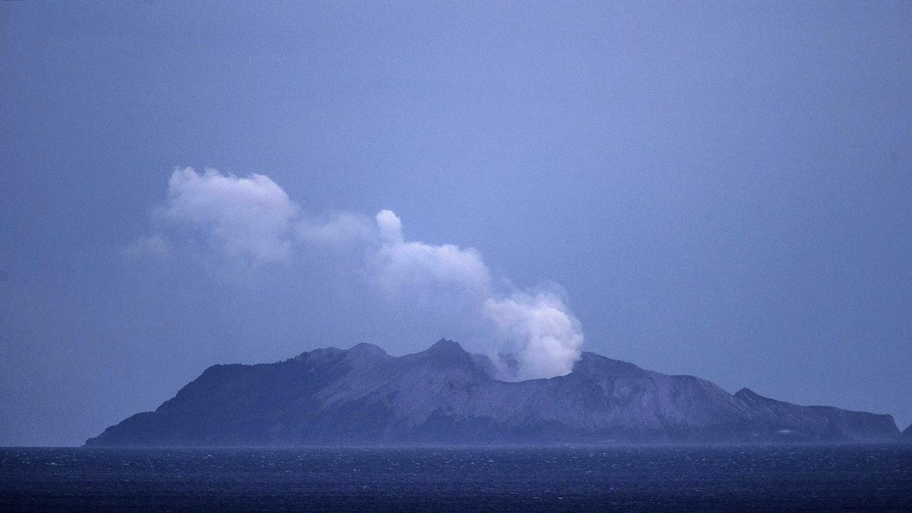 *** BESTPIX *** Several Feared Dead As Volcano Erupts In Bay Of Plenty