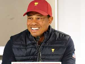 Tiger's 4am texting habit exposed