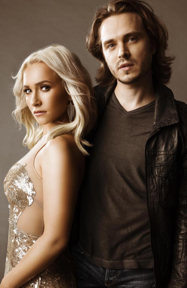 Nashville stars Hayden Panettiere and Jonathan Jackson.