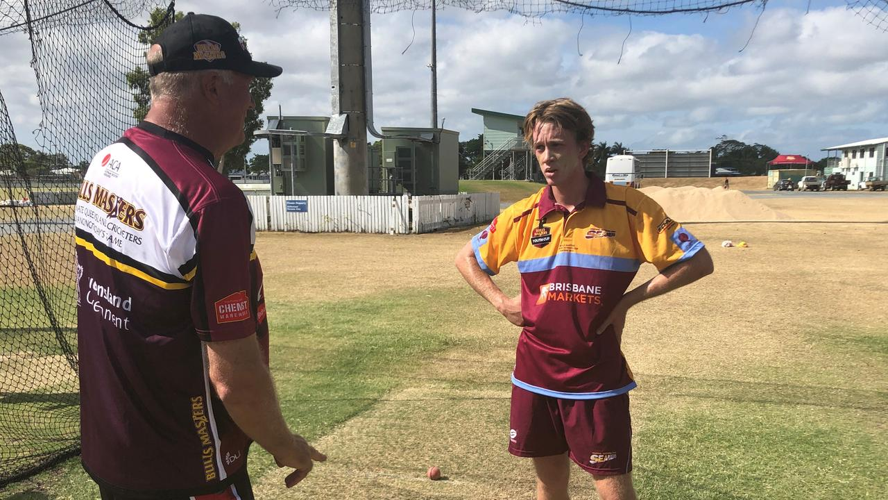 Campbell Jarvis gets advice from Aust and Queensland pace bowling great Carl Rackemann