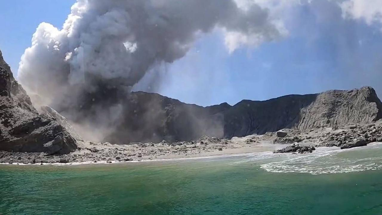 Kauffmann, who had travelled to White Island with his partner Aline Moura, said they left the island and it 'wasn't even five minutes before it erupted'. Source: Allessandro Kauffman