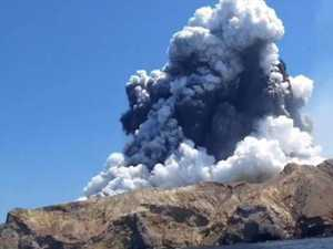 Qld burns surgeons on standby to help volcano victims