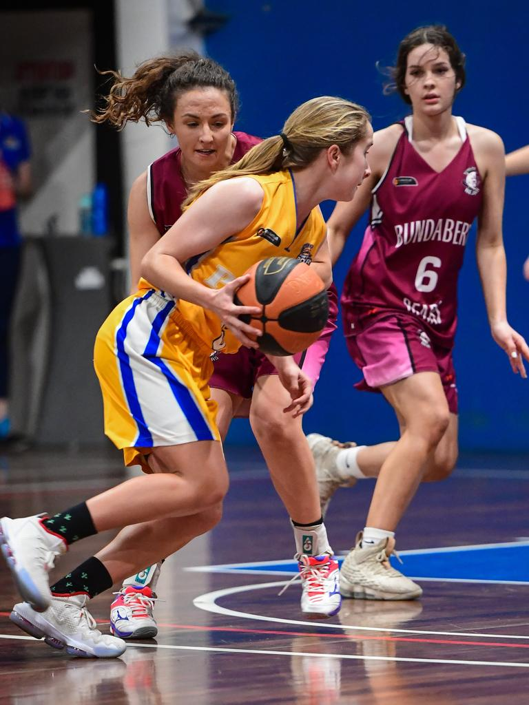 Gladstone's Erin Harvey makes a drive to the basket. PICTURE: Brian Cassidy