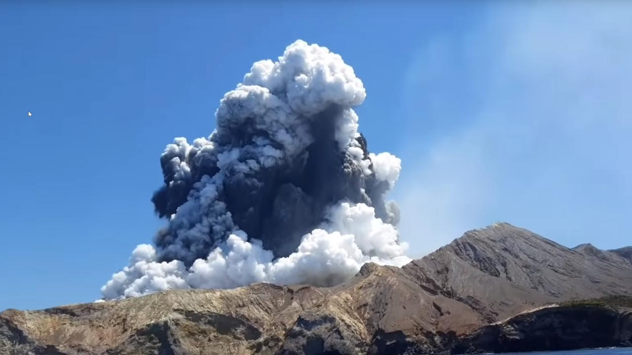 Footage taken by a Brazilian tourist Allessandro Kauffmann minutes before the White Island volcano erupted.