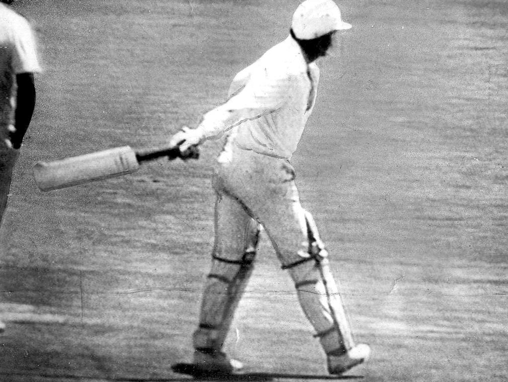 Dennis Lillee throws his aluminium bat away after umpires told him he would not be allowed to use it.