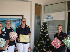 Campaign of giving helps from head to mistletoe