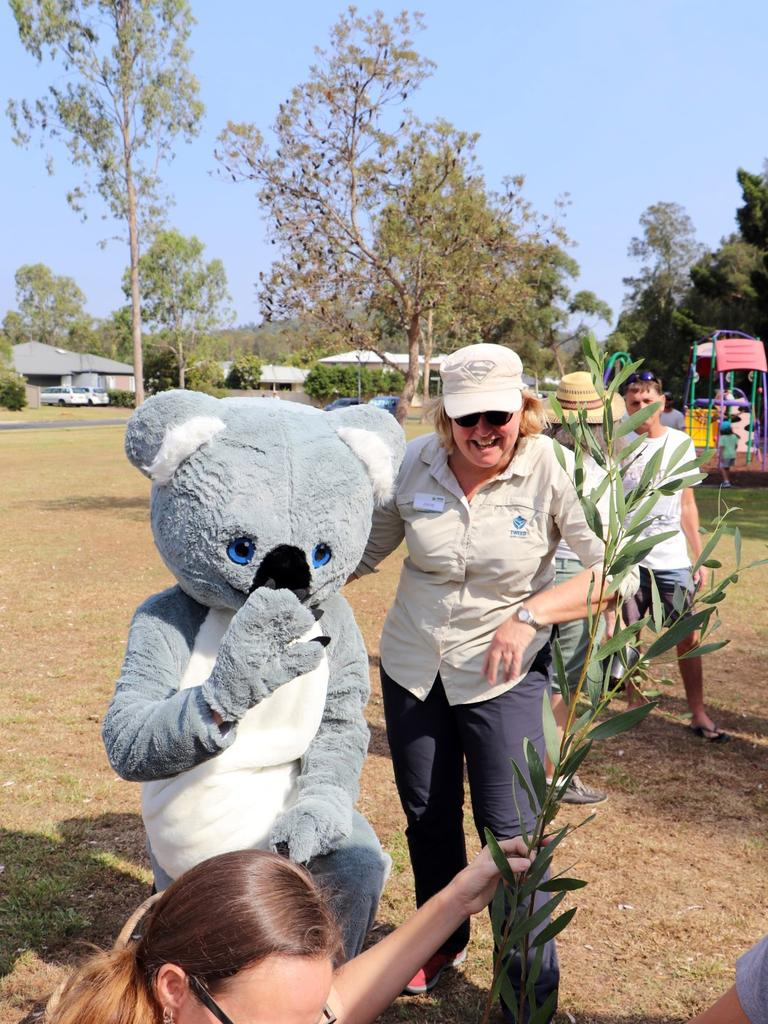 Kooee Koala greeting some of the kids at the Koala Beach estate 25 year celebration event.
