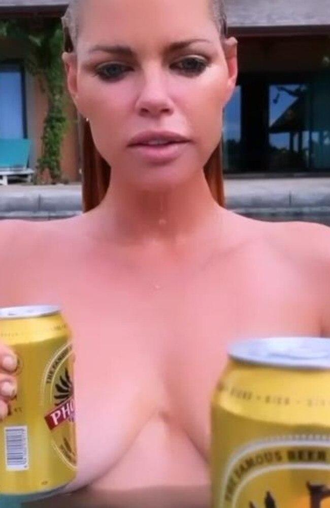 Sophie Monk naked on Instagram