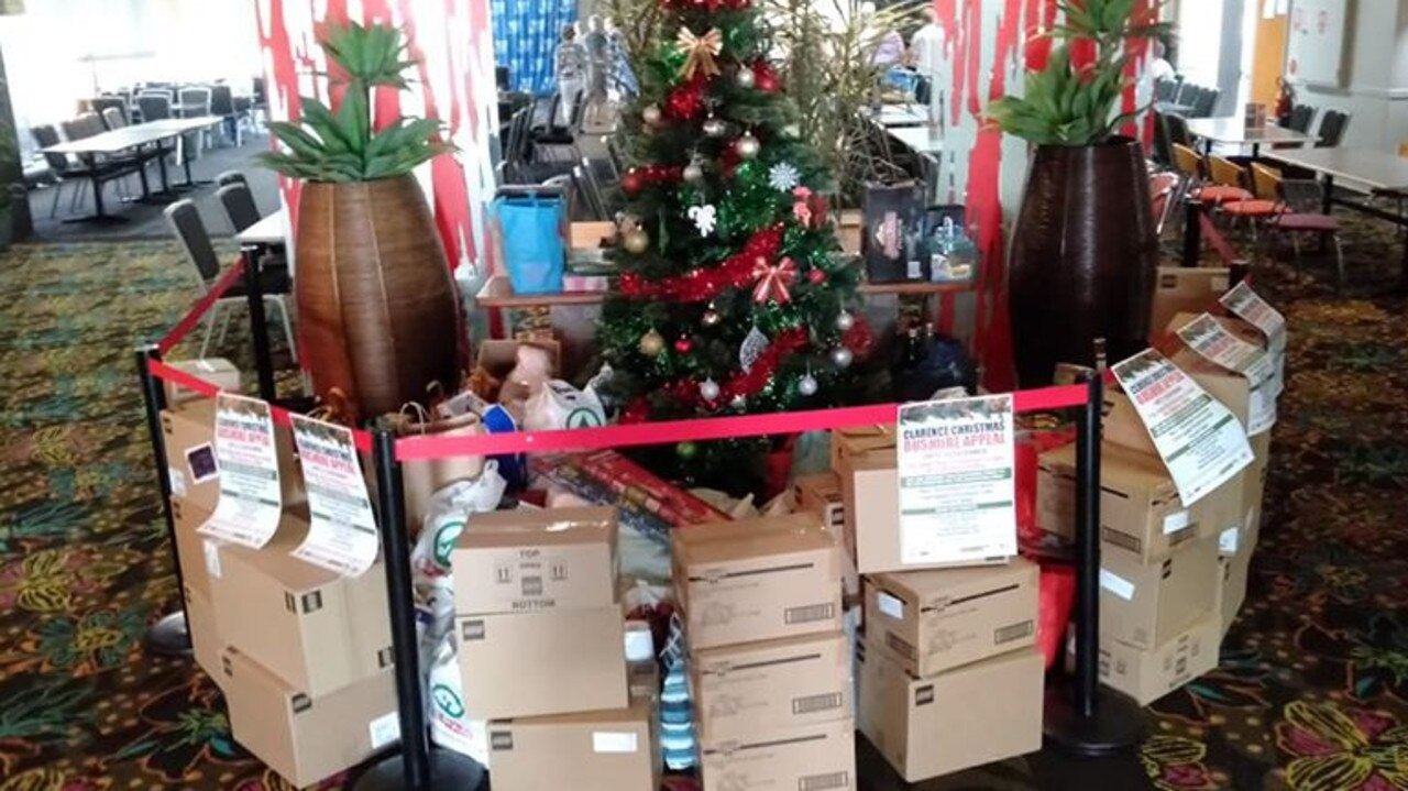 The Lower Clarence community gave generously to the Clarence Christmas Bushfire Appeal at Maclean Bowling Club.
