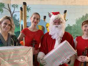 Santa visits sick kiddies at local hospital