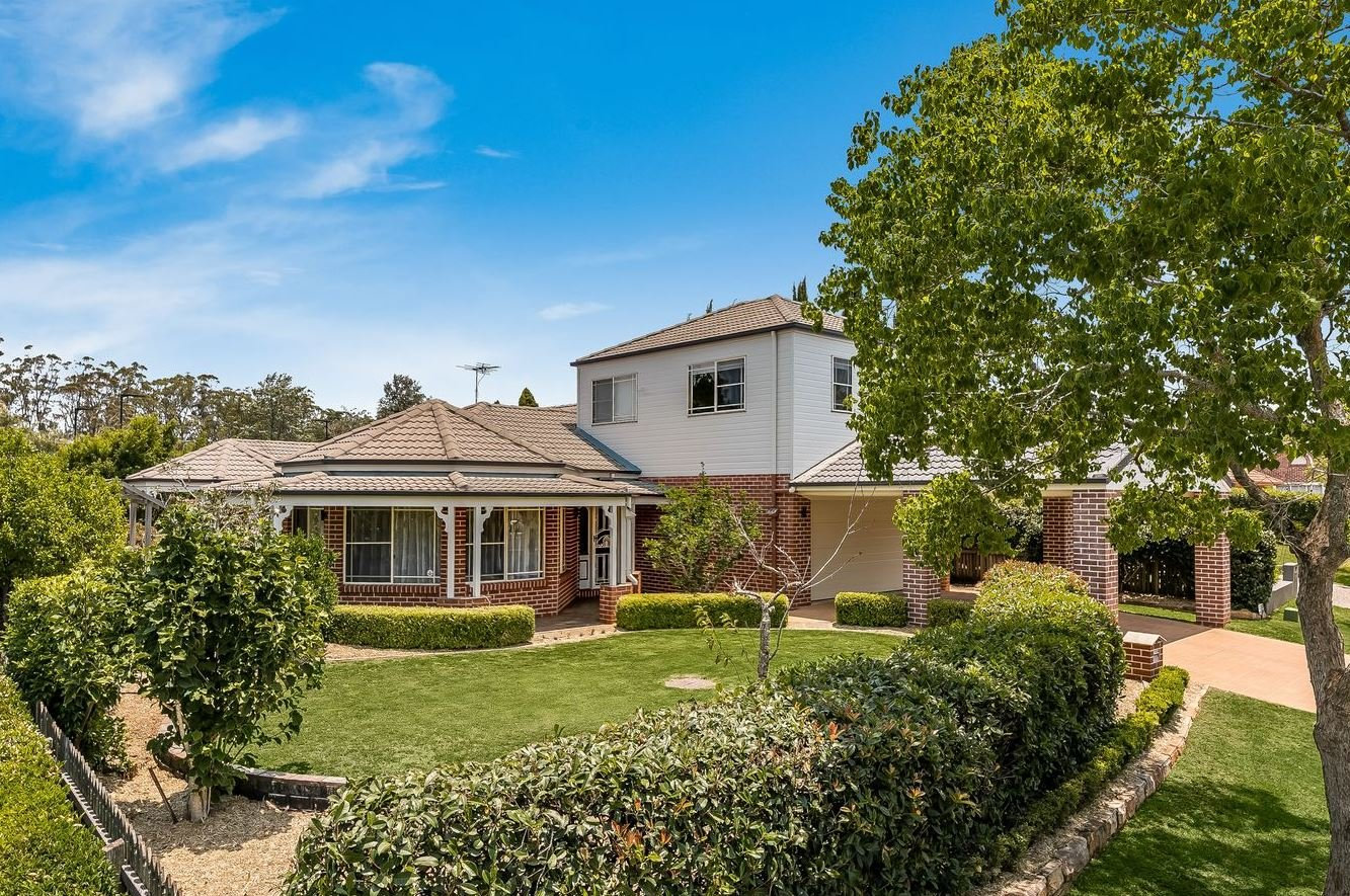 8 Purnawilla Ct, Middle Ridge, is for sale.