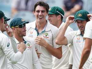 Aussie bowlers out gun Kiwis to close in on series victory
