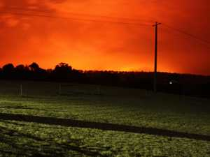 Gippsland towns in path of raging fires