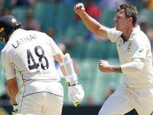 Australia crush Kiwis despite Blundell's defiance