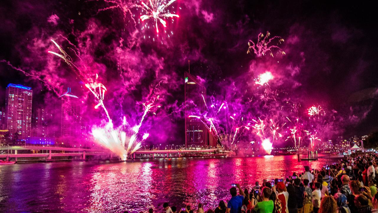 Rain, hail or heat? What have the weather Gods got in store for for New Year's Eve? Forecasters are predicting much calmer conditions to ring in 2020.