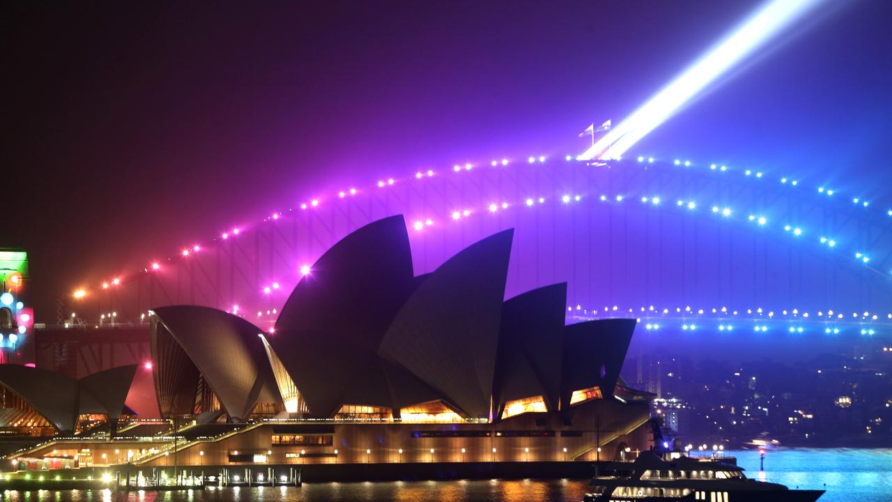 Deputy Premier John Barilaro has called for the NYE fireworks on Sydney Harbour to be cancelled amid the bushfire crisis, claiming it's an 'easy' choice.