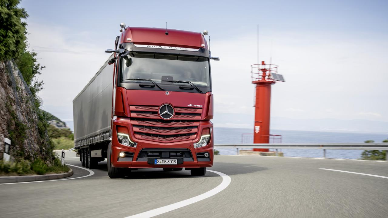 Mercedes-Benz Actross trucks with MirrorCam are on the way.