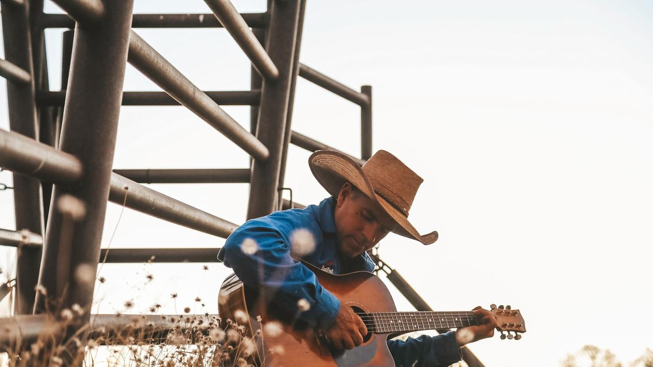 Golden Guitar winner Tom Curtain will tour Central Queensland following the release of his new album, We're Still Here.