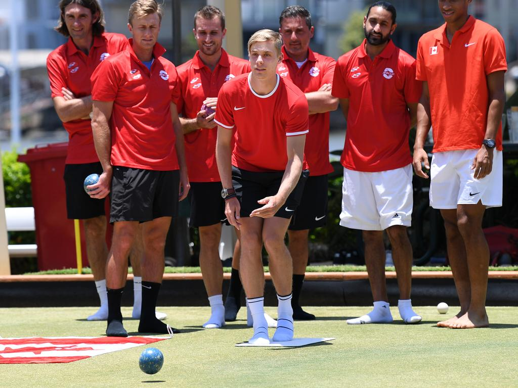 Shapovalov plays lawn bowls in Brisbane with the rest of Canada's ATP team. Picture: AAP