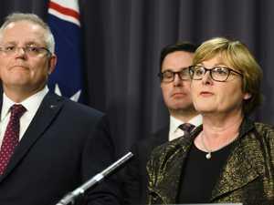 Minister's awkward bushfire admission