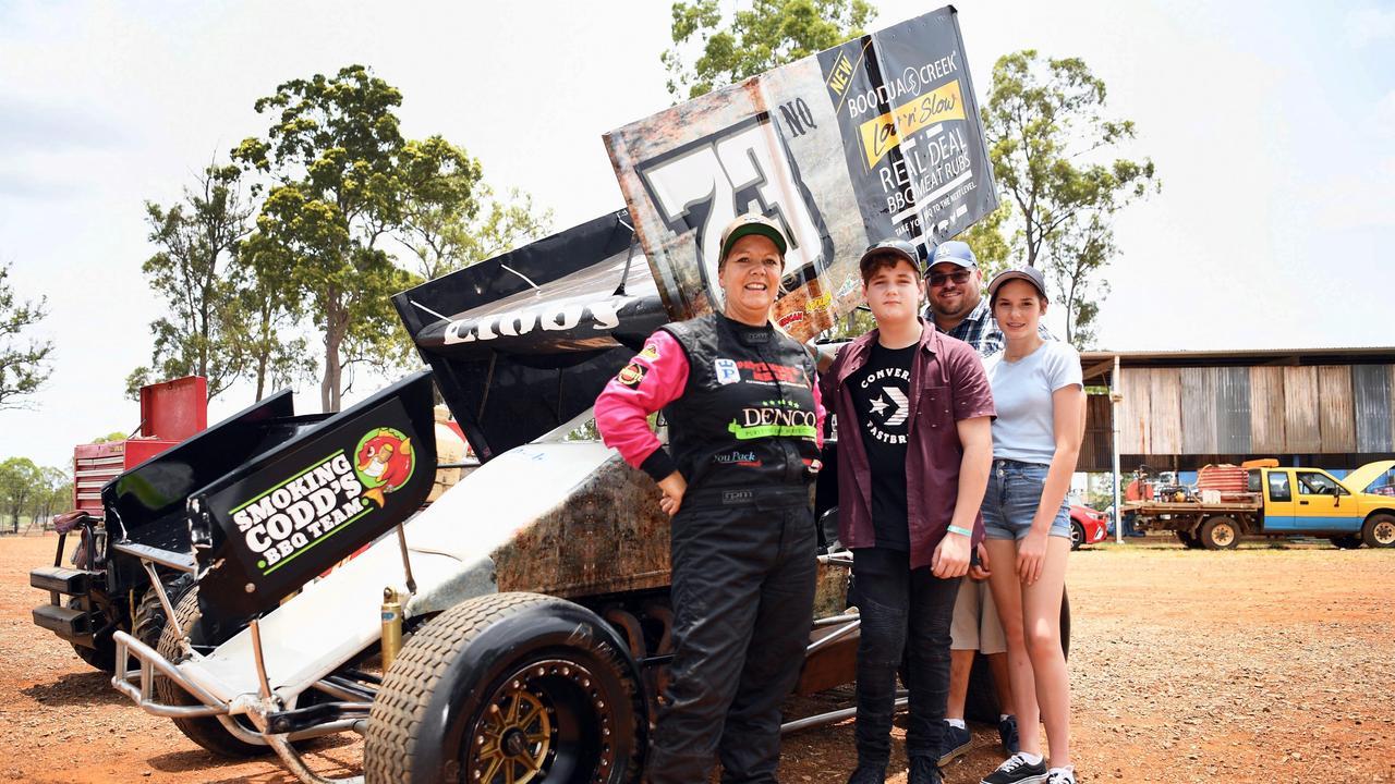 World Series Sprint Cars meet and greet – Driver Libby Ellis with fans (L) 12yo Harrison, Luke and 14yo Ally Samways. Photo: Cody Fox
