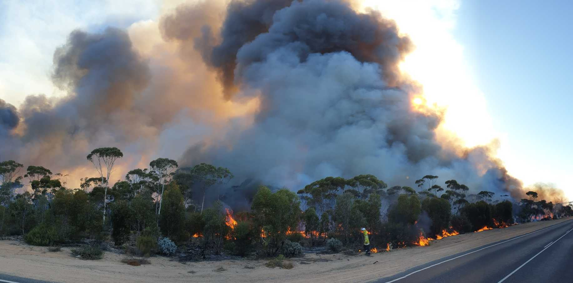 DFES shared this photo this morning, highlighting the dangerous bushfires in Western Australia. PHOTO: DFES/ABC Goldfields-Esperance