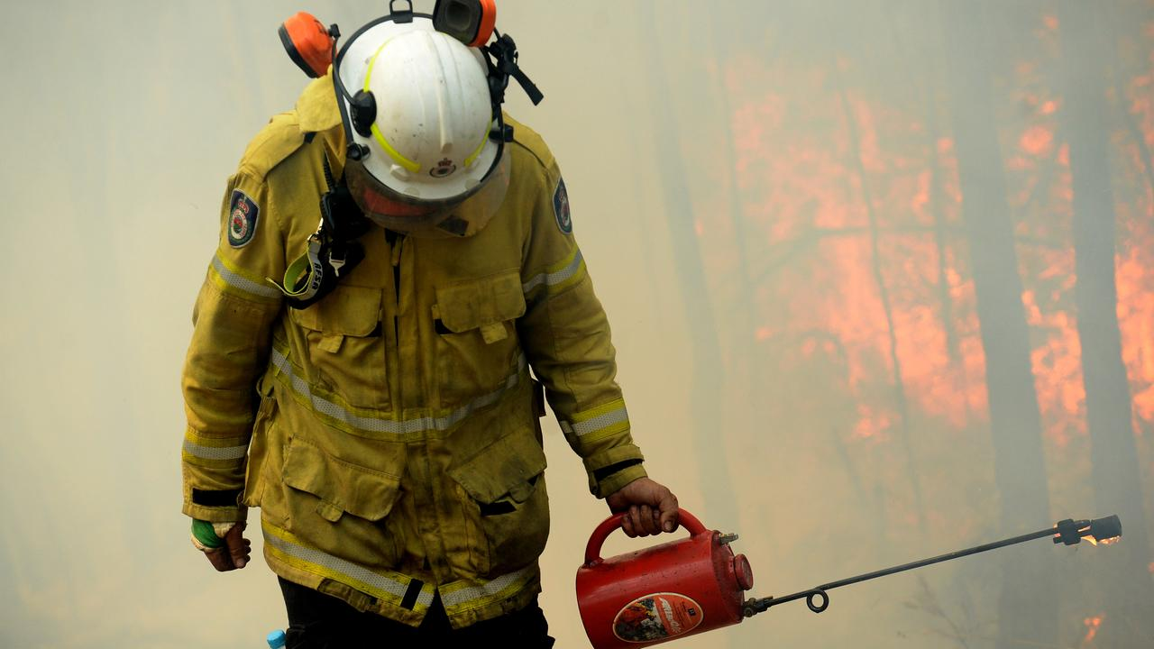 TOUGH JOB: Rural Fire fighters have struggled to meet fuel reduction targets due to challenging conditions. (AAP Image/Jeremy Piper)