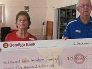 Bowls club's Christmas gift to rural ambulance