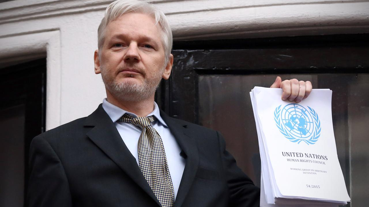 Wikileaks founder Julian Assange is being kept in a prison cell, but that has not stopped him from winning an award for raising the plight of the Catalans.