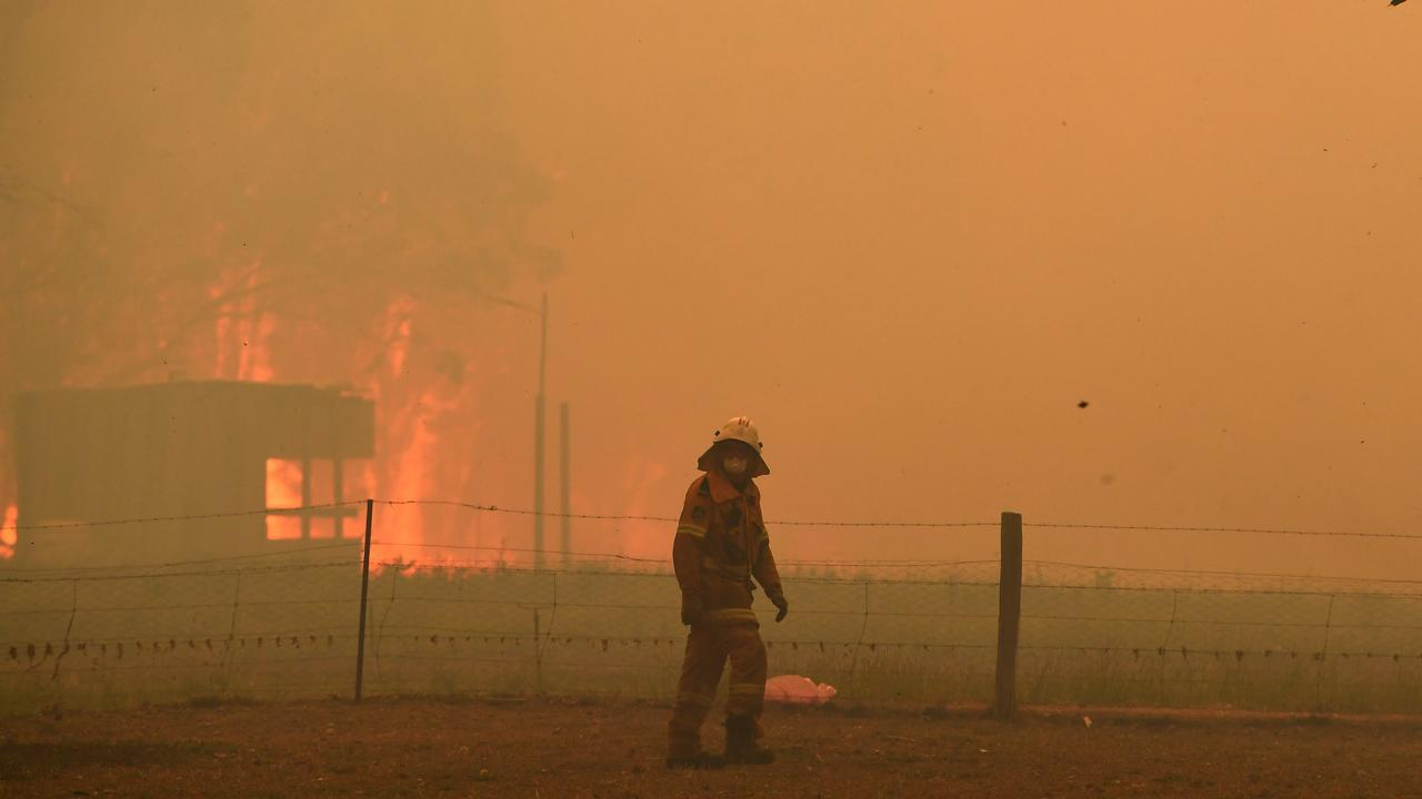 Bushfire smoke contains small particles that can spark an asthma attack.