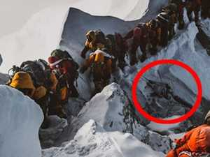 Carnage in Mt Everest's traffic jams