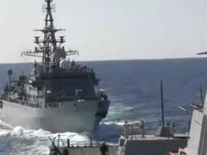 Russian warship's aggressive against US vessel