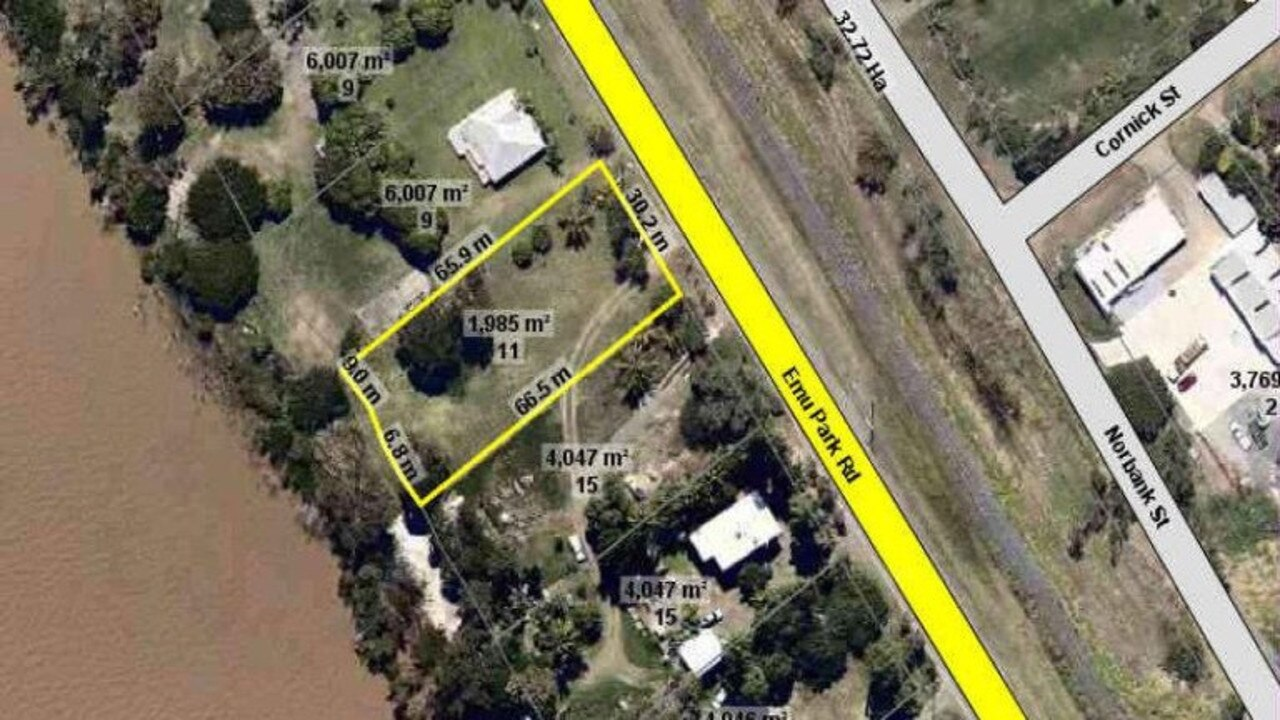 11 Emu Park Rd, Lakes Creek.