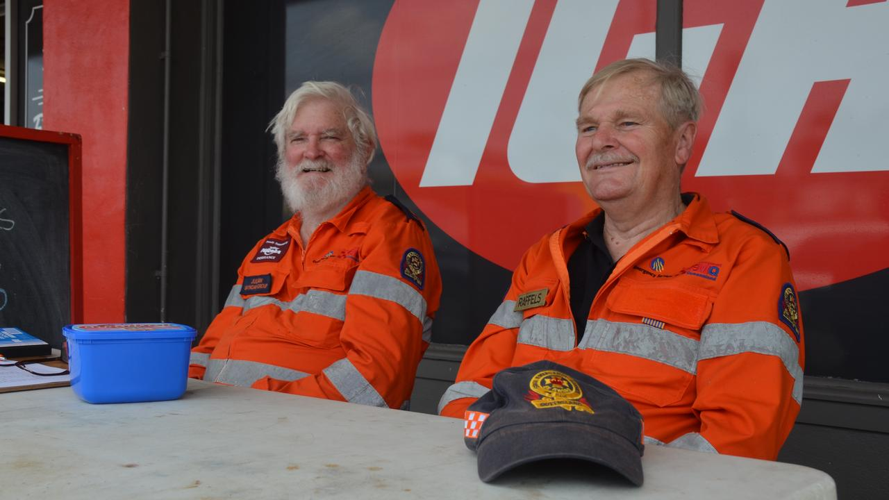 SES BUSHFIRE APPEAL: SES members Julian Nott and Peter Ruffles collecting donations outside the Gayndah IGA. Picture: Sam Turner.