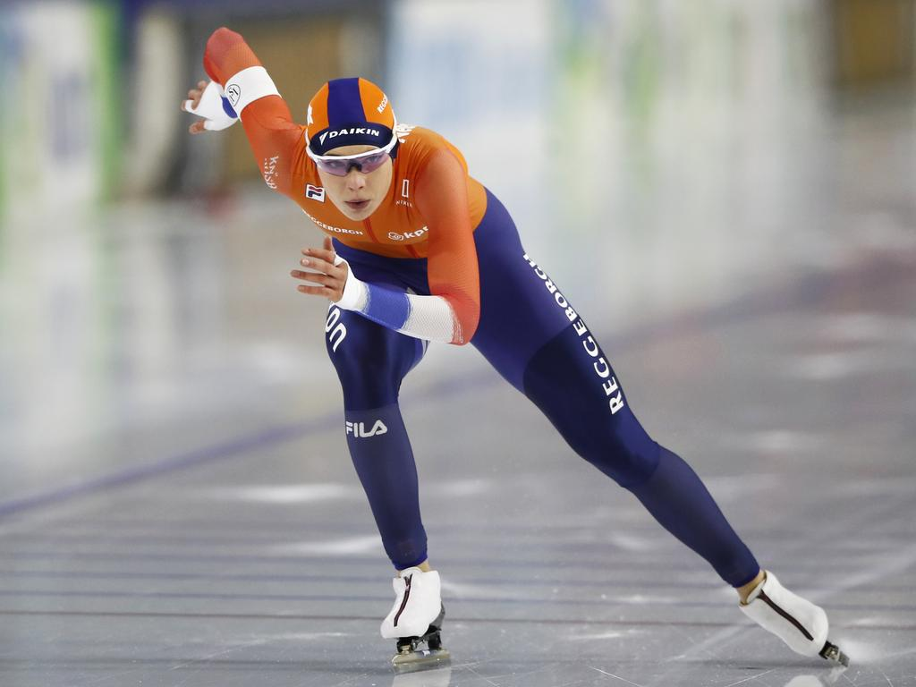 Jutta Leerdam charges down the ice. (AP Photo/Peter Dejong)