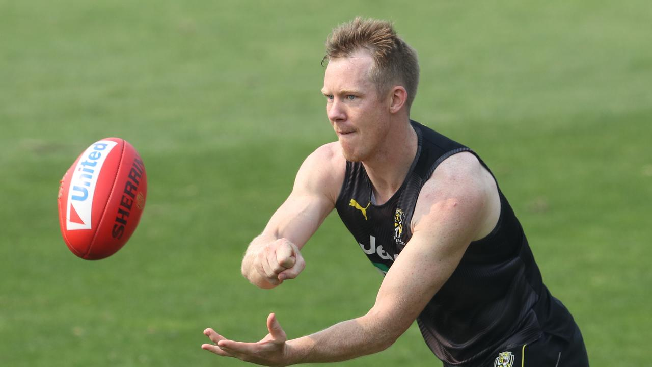 Jack Riewoldt in action during a Richmond Tigers training session at Punt Road Oval in Melbourne, Monday, January 13, 2020. (AAP Image/David Crosling) NO ARCHIVING