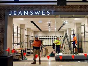 Jeanswest collapses, 988 staff and 146 stores at risk