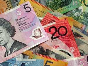 Good Samaritan hands in stack of cash to police
